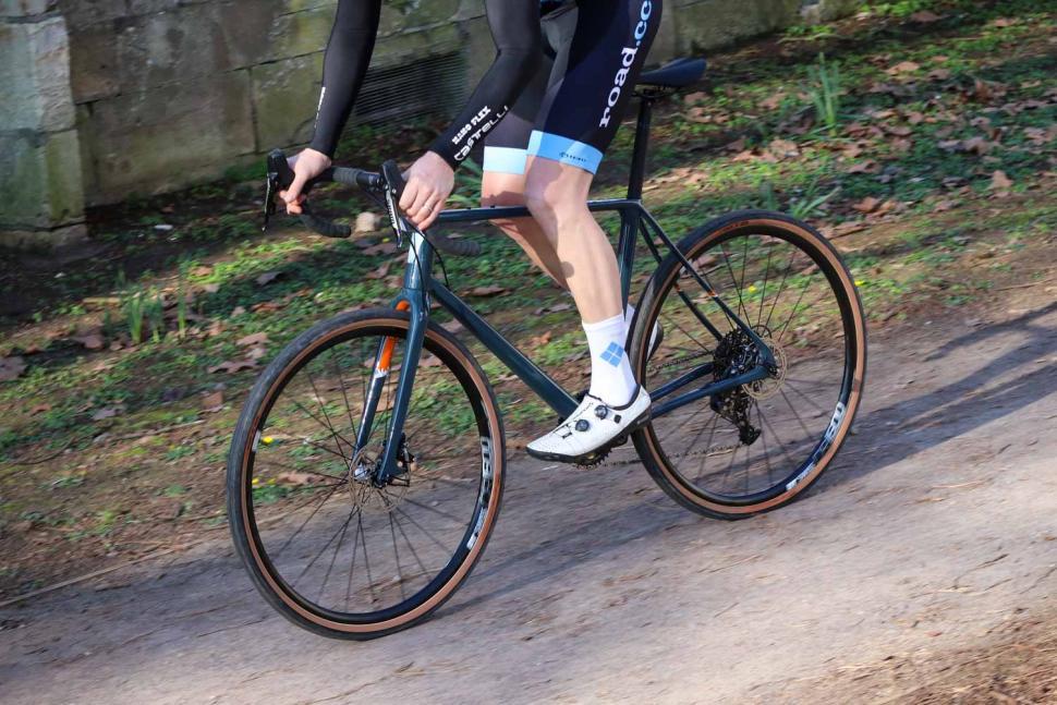 Vielo V+1 Rival - riding 2.jpg