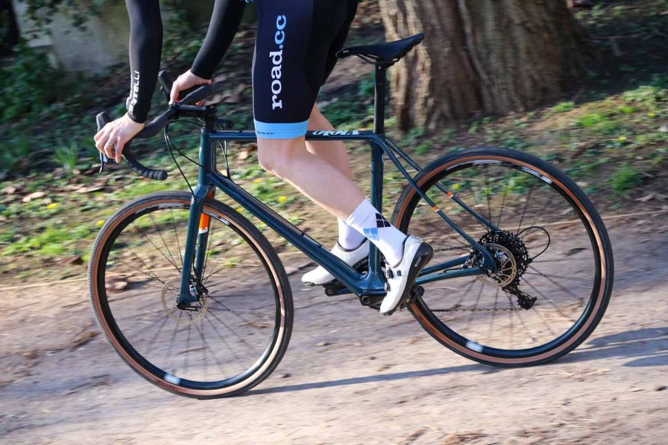 Vielo V+1 Rival - riding 4.jpg