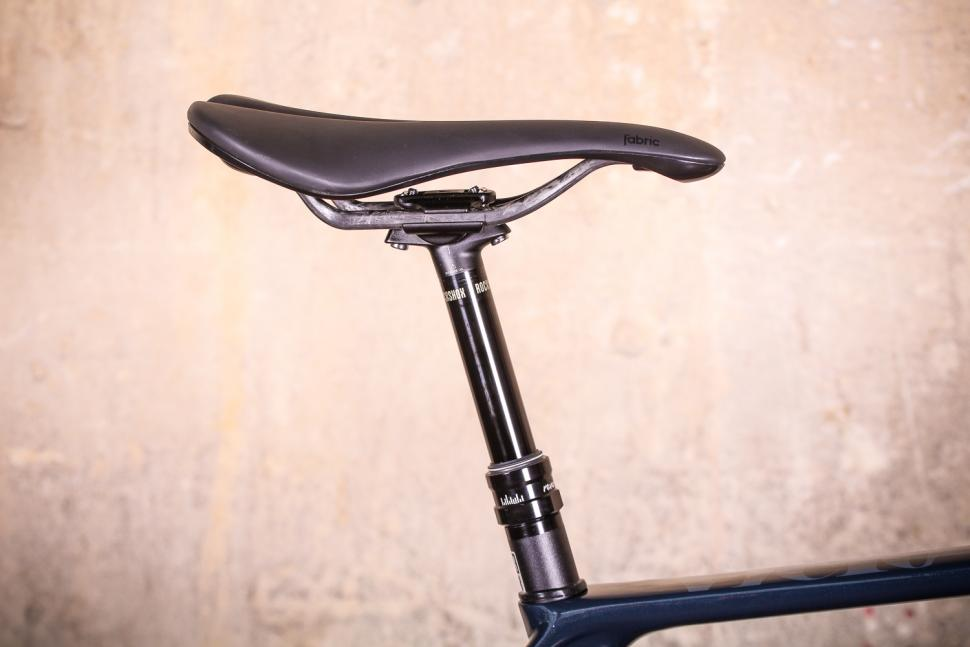 Vielo V+1 - saddle and dropper post.jpg