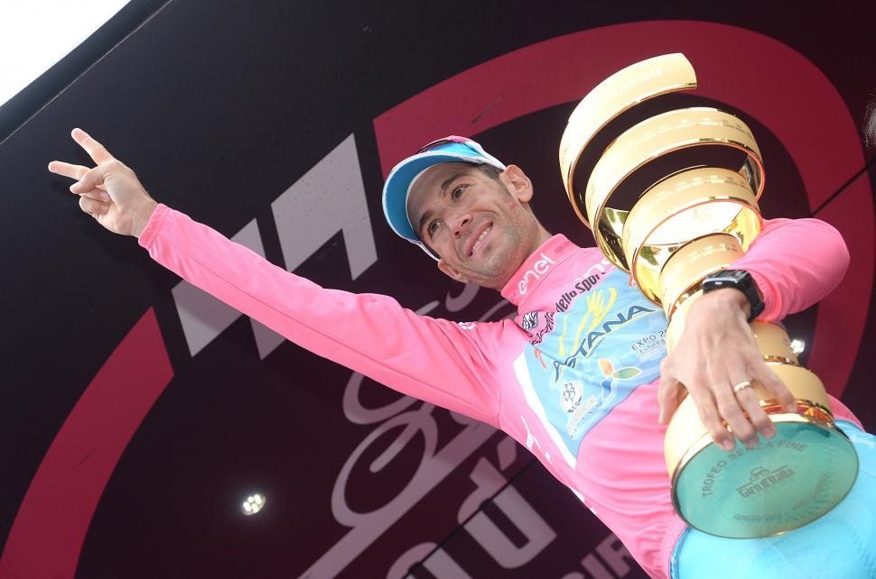 Vincenzo Nibali after winning 2016 Giro d'Italia (PHOTO CREDIT ANSA - PERI - DI MEO - ZENNARO).jpg