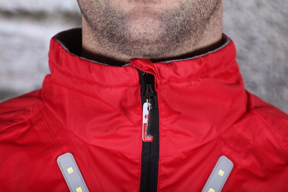 Visijax Highlight Jacket with LEDs - collar.jpg