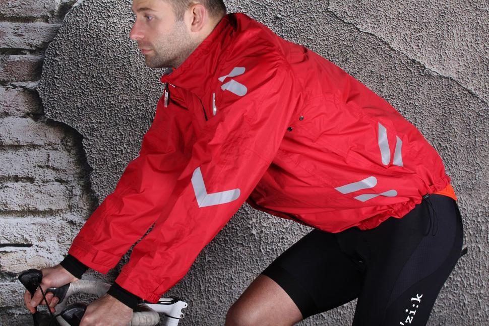Visijax Highlight Jacket with LEDs - riding.jpg