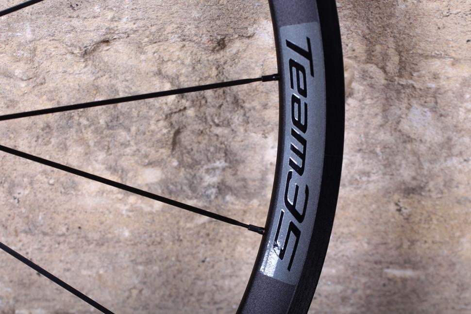 Vision Team 35 Wheelset - rim detail.jpg