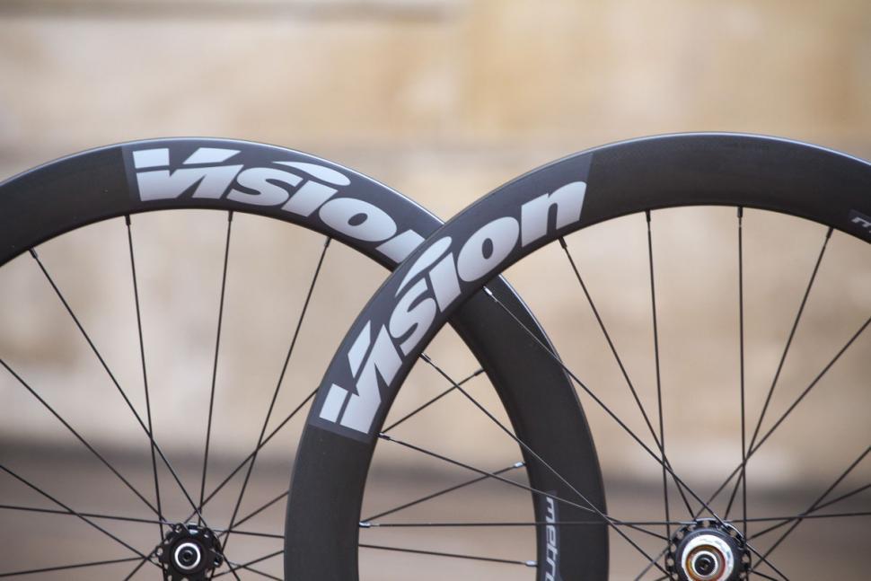 vision_metron_55_sl_disc_clincher_wheels_-_rim_detail.jpg