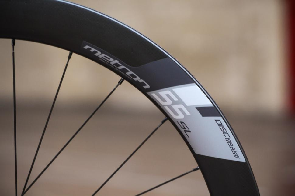 vision_metron_55_sl_disc_clincher_wheels_-_rim_details_2.jpg