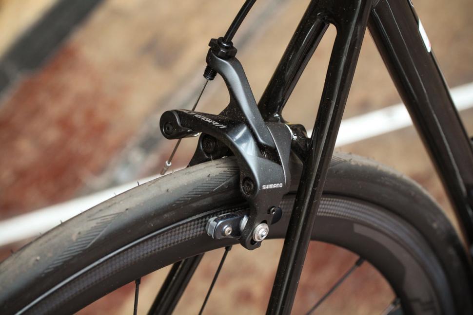 vitesse_evo_cri_ultegra_di2_-_rear_brake.jpg