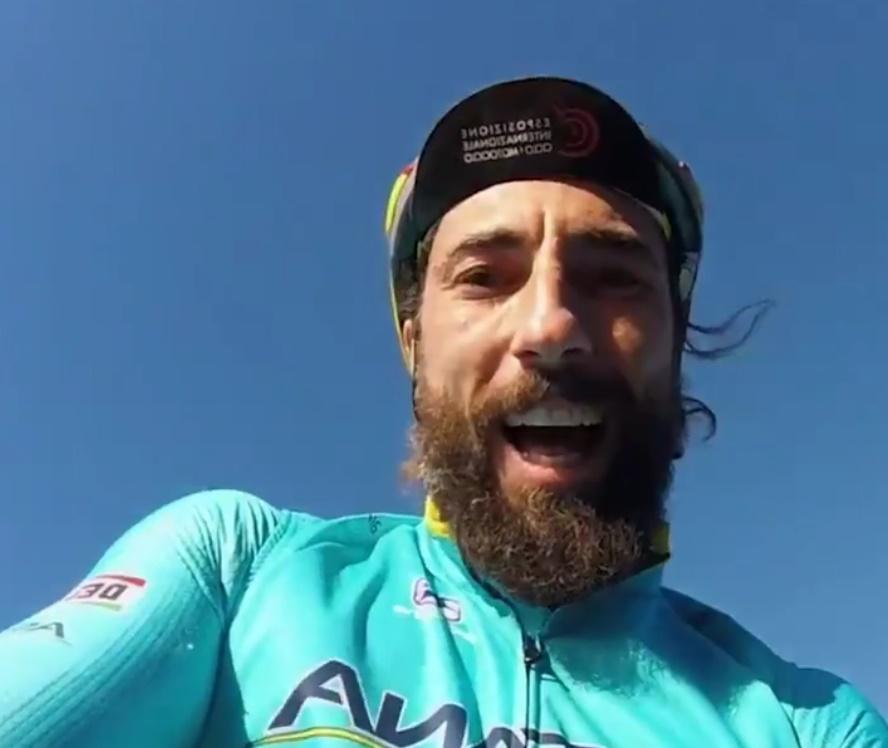 Vittorio Brumotti (via Twitter video)