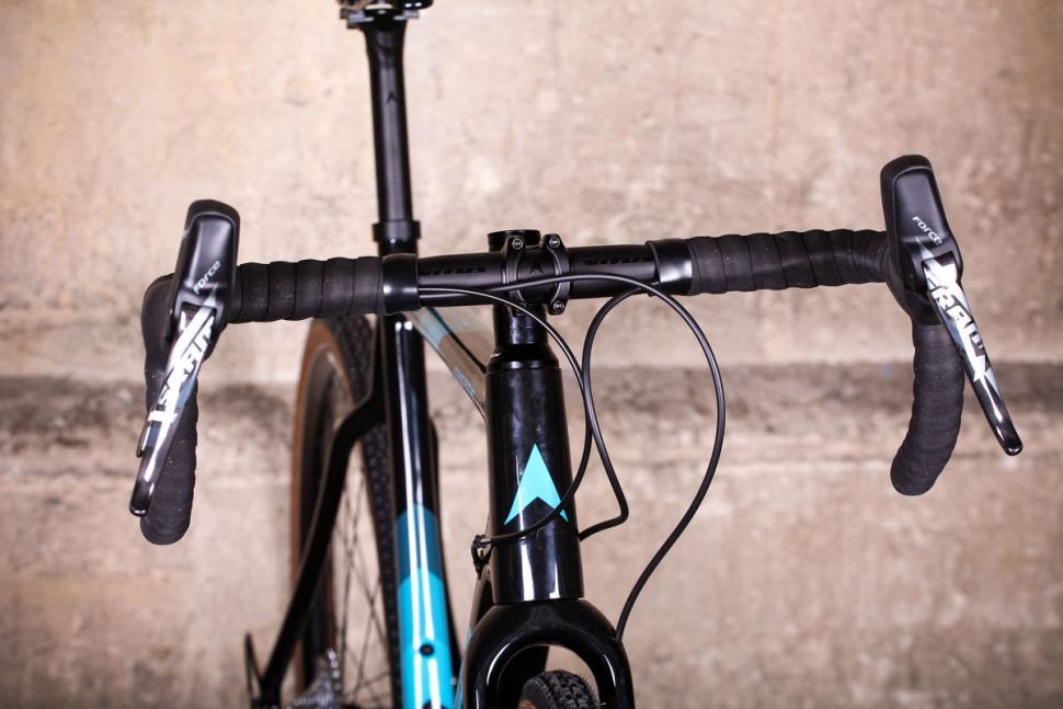 Vitus Energie CRX - bars.jpg