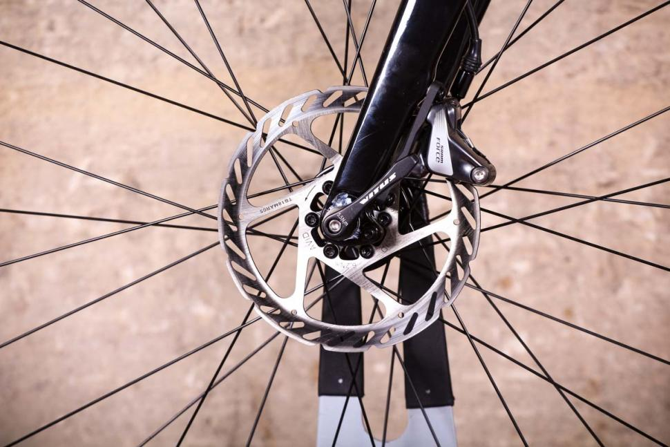 Vitus Energie CRX - front disc brake.jpg