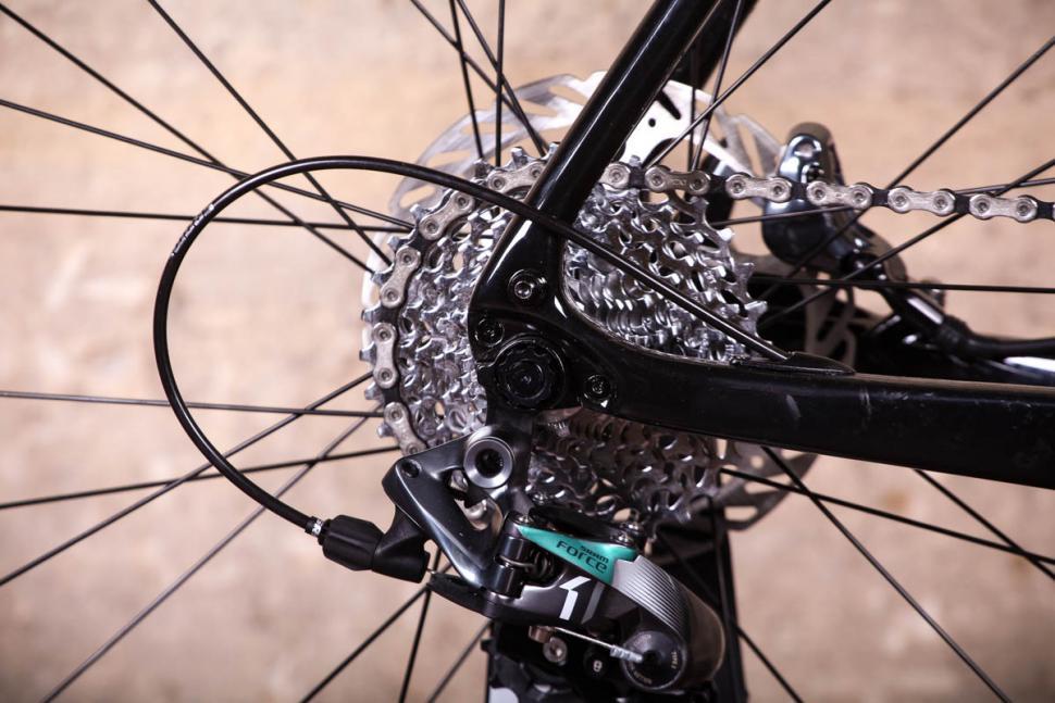 Vitus Energie CRX - rear dropout.jpg