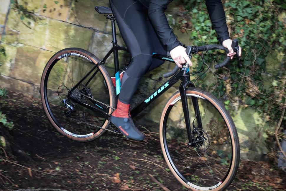Vitus Energie CRX riding-1.jpg