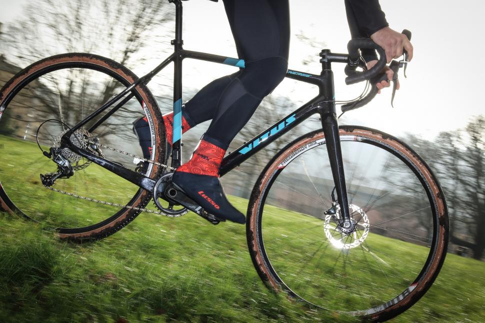 Vitus Energie CRX riding-3.jpg