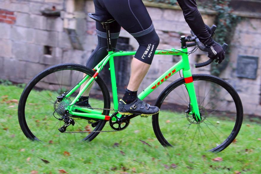 vitus-energie-riding-3.jpg