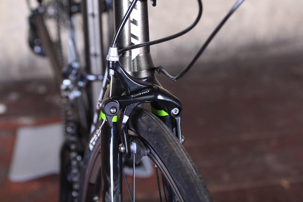 Vitus Razor - front brake.jpg