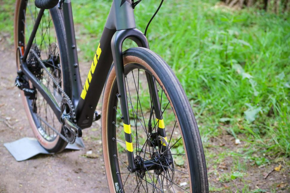 Vitus Substance CRX - fork from front.jpg