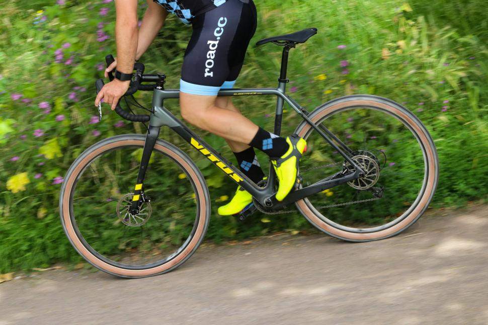 Vitus Substance CRX - riding 2.jpg