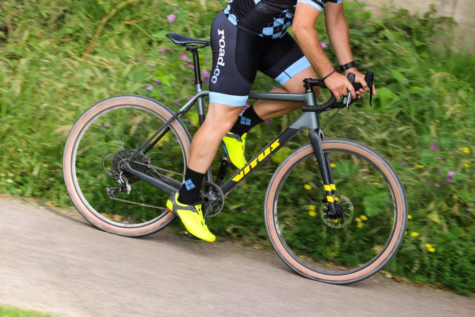 Vitus Substance CRX - riding 3.jpg