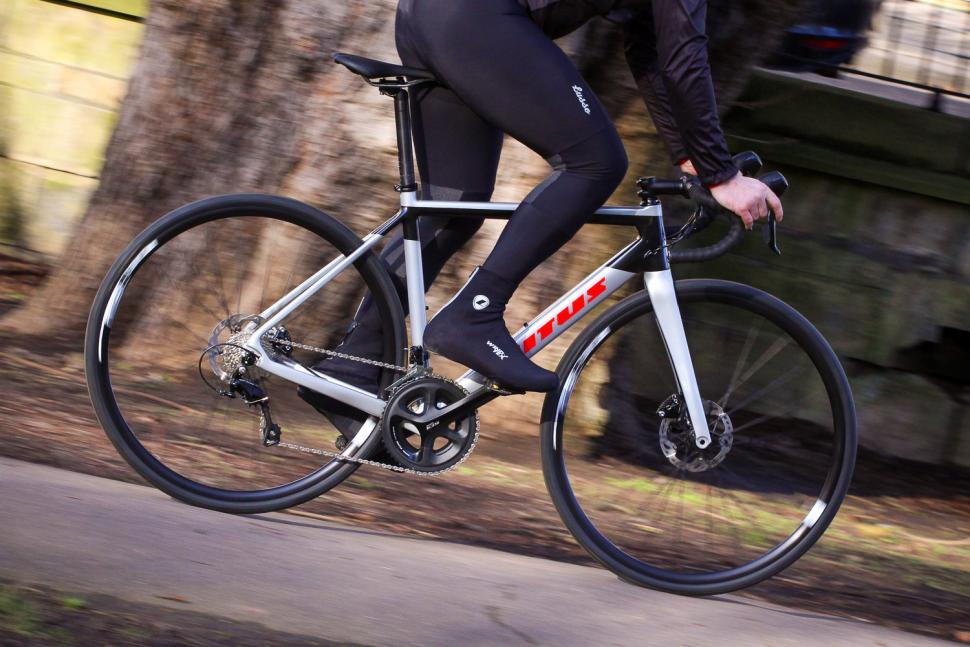 Vitus Venon CR Disc - riding 1.jpg
