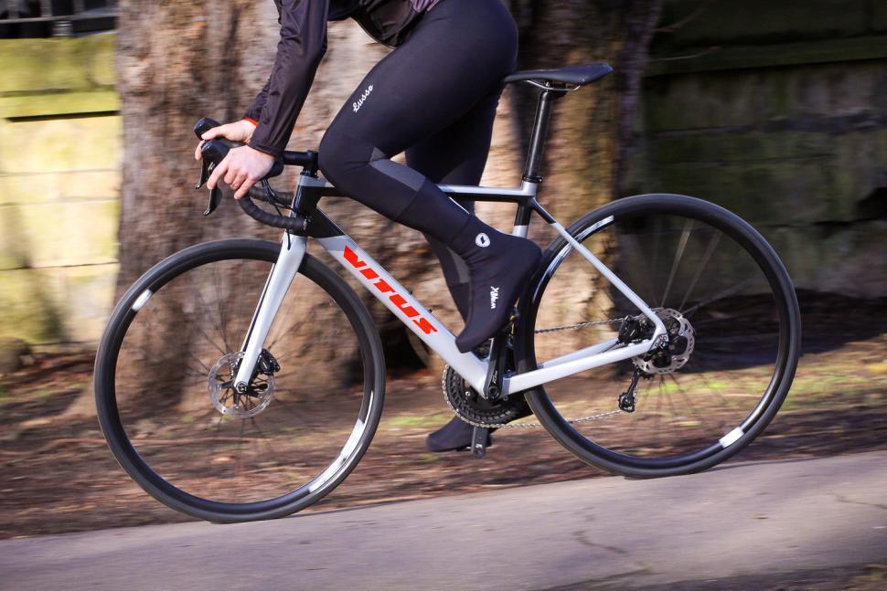 Vitus Venon CR Disc - riding 2.jpg