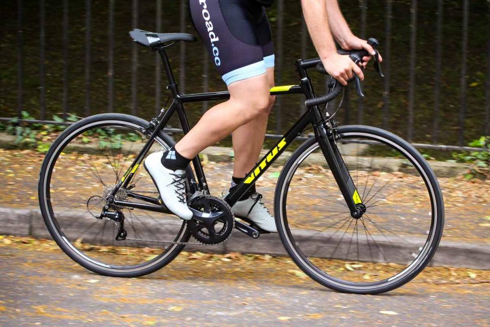 vitus_razor_vr_-_riding_1.jpg