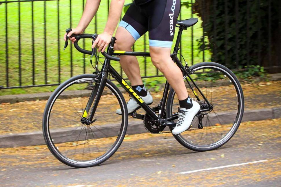 vitus_razor_vr_-_riding_2.jpg