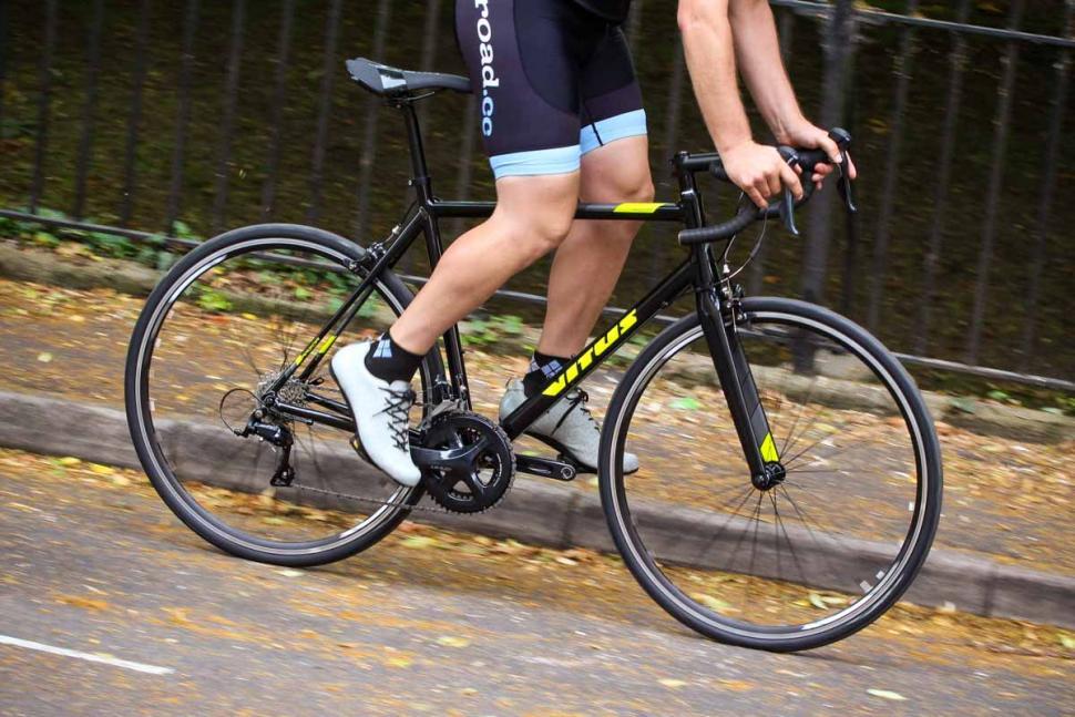 vitus_razor_vr_-_riding_3.jpg