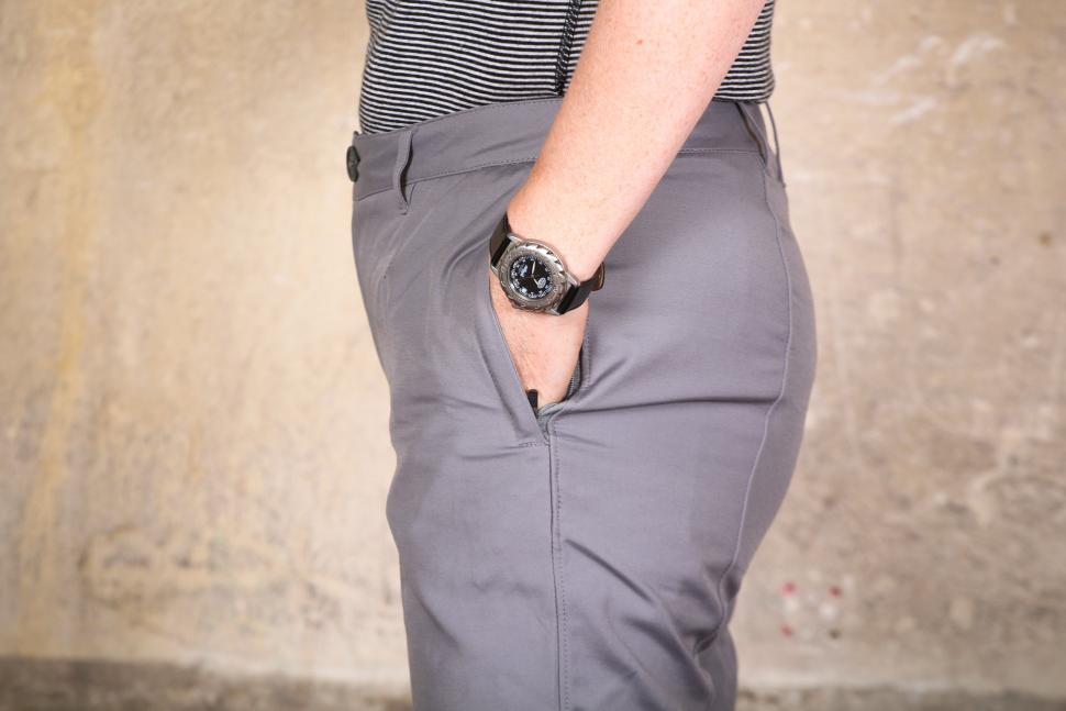 Vulpine Womens Summer Cycling Capri Pants - pocket.jpg