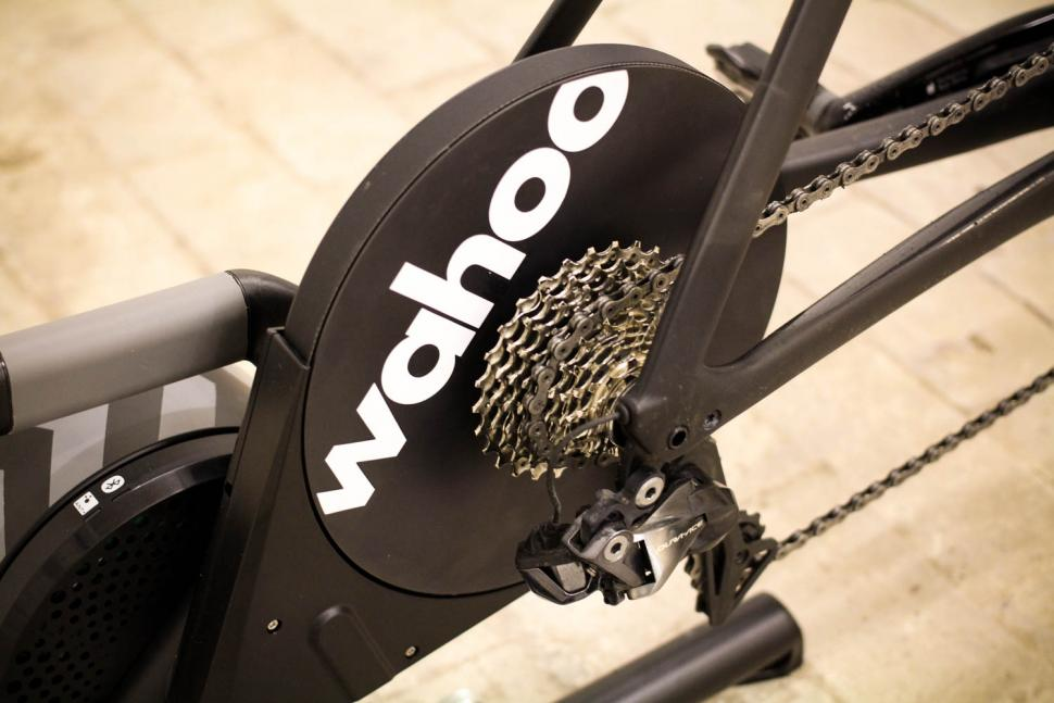 Wahoo 2018 Edition KICKR Smart Trainer - cassette.jpg