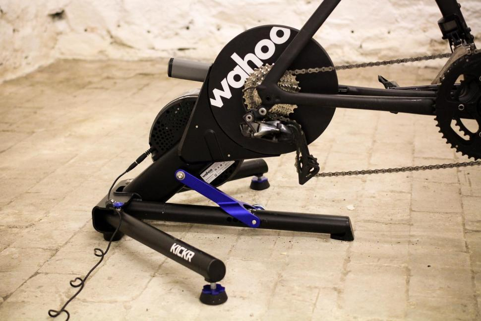 Wahoo 2018 Edition KICKR Smart Trainer - side.jpg