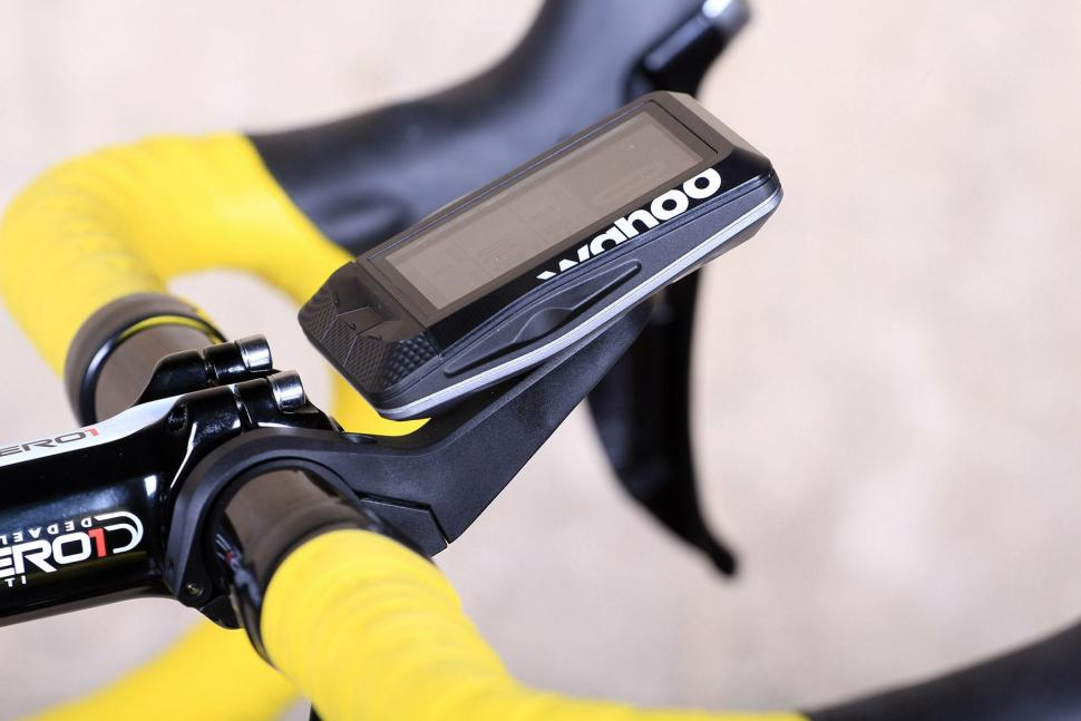 Wahoo Element GPS Bike Computer - side.jpg