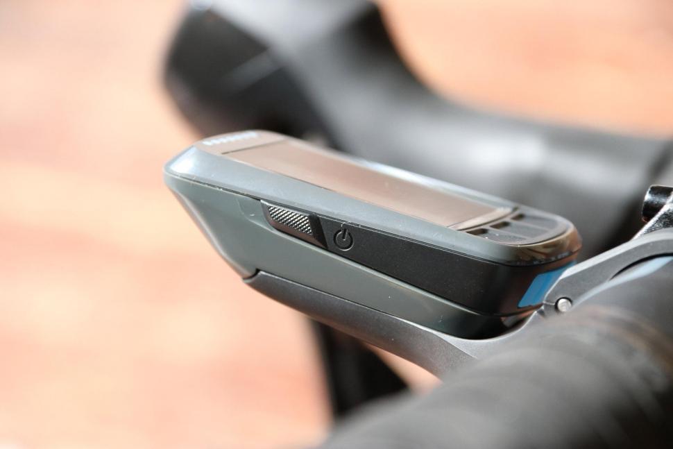 Wahoo Elemnt Bolt GPS bike computer - power button.jpg