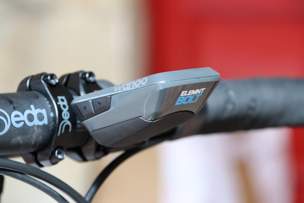 Wahoo Elemnt Bolt GPS bike computer - side 2.jpg