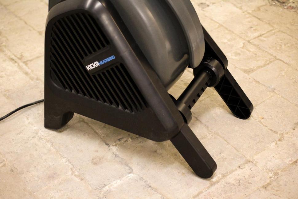 Wahoo KICKR Headwind Bluetooth Fan - legs.jpg