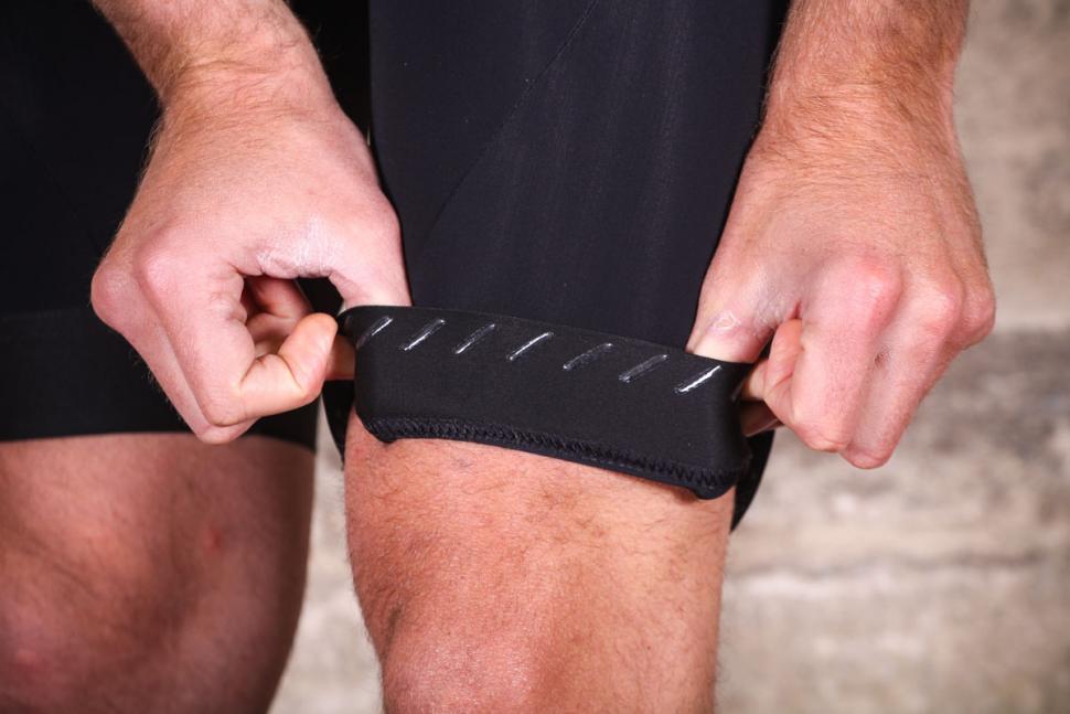 wearwell_cycle_company_revival_bib_shorts_-_gripper.jpg