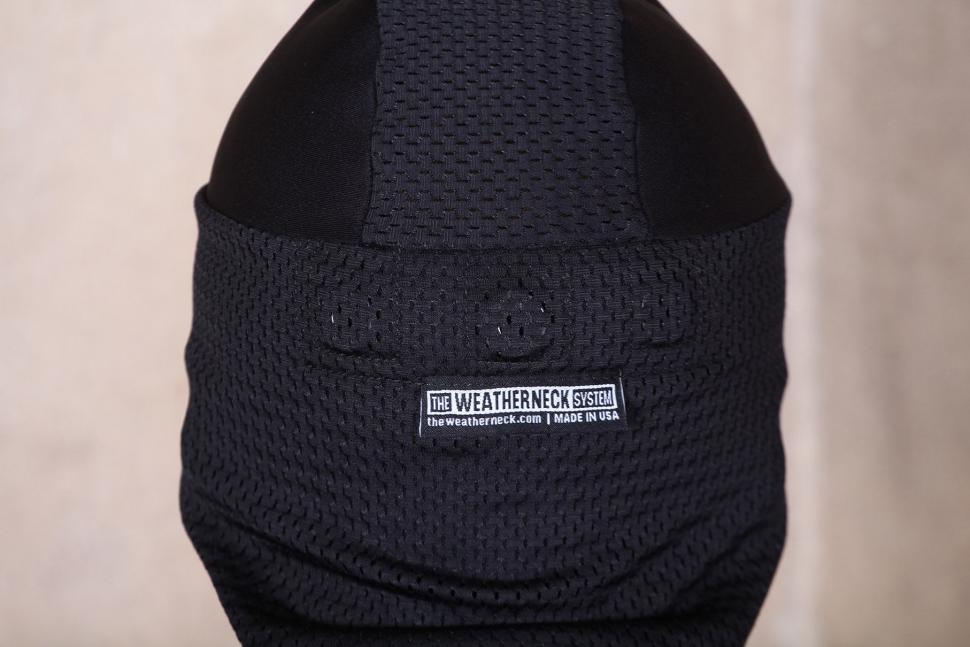 The Weatherneck The System breakaway balaclava- magnets.jpg