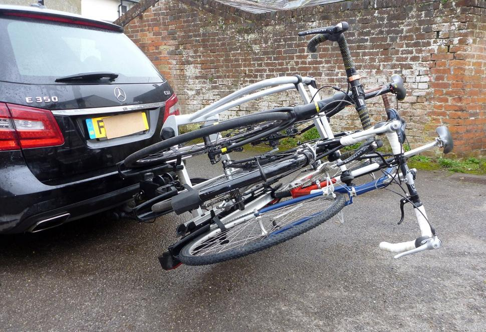 Whispbar WBT31 3 bike tow bar carrier05.jpg