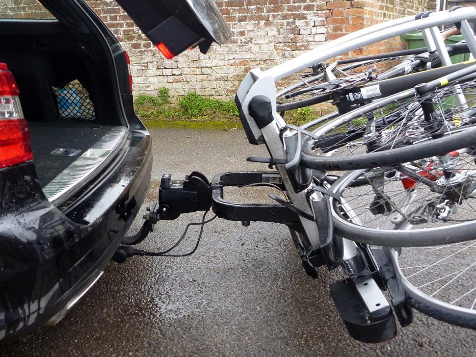 Whispbar WBT31 3 bike tow bar carrier07.jpg