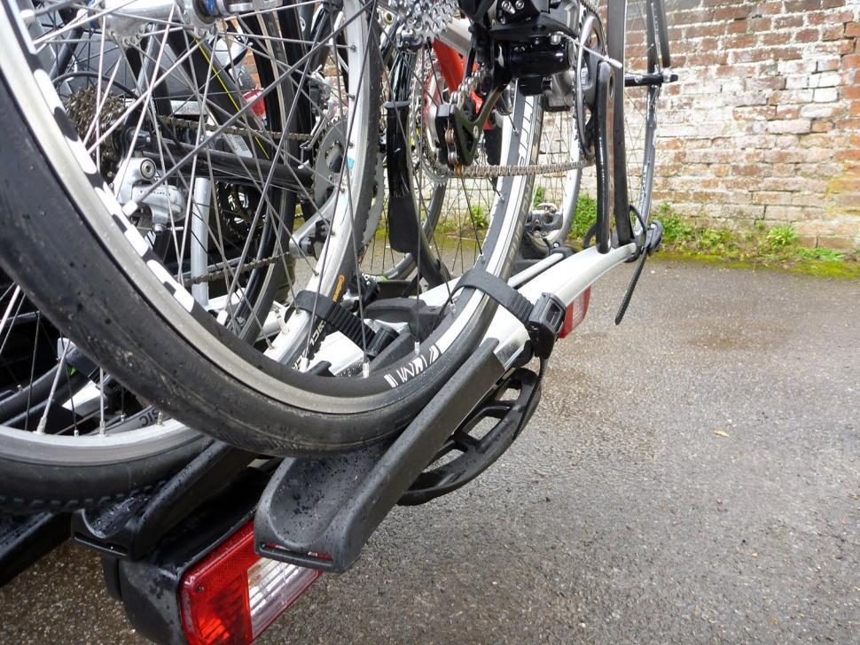Whispbar WBT31 3 bike tow bar carrier08.jpg