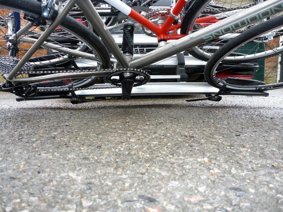 Whispbar WBT31 3 bike tow bar carrier09.jpg
