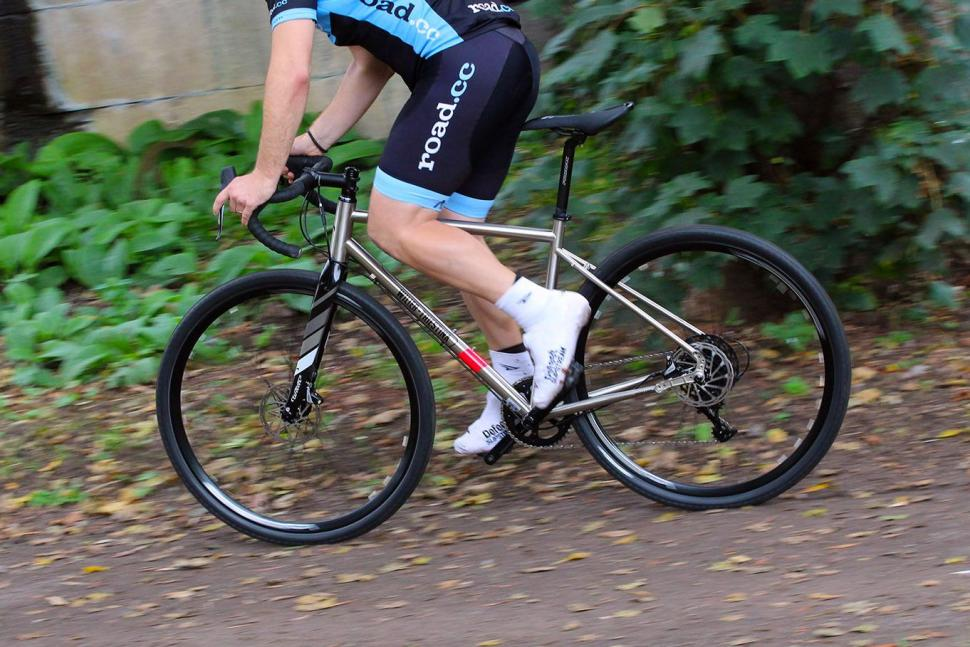 Wilier Jaroon - riding 2.jpg