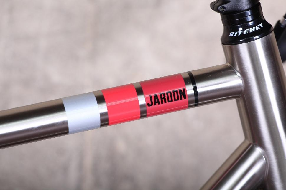 Wilier Jaroon - top tube.jpg