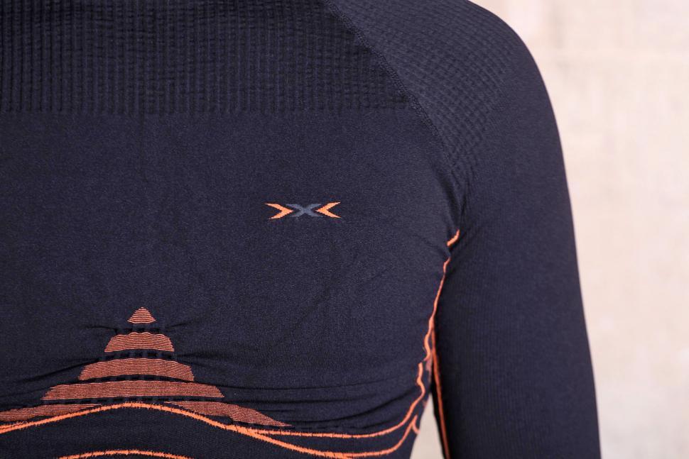 X-Bionic Energy Accumulator V2.1 Turtle Neck - chest logo.jpg