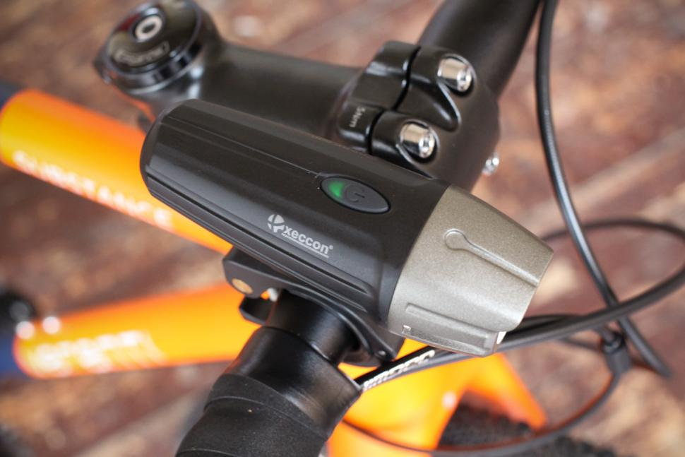 Xeccon Spear 900 Front Light - top.jpg