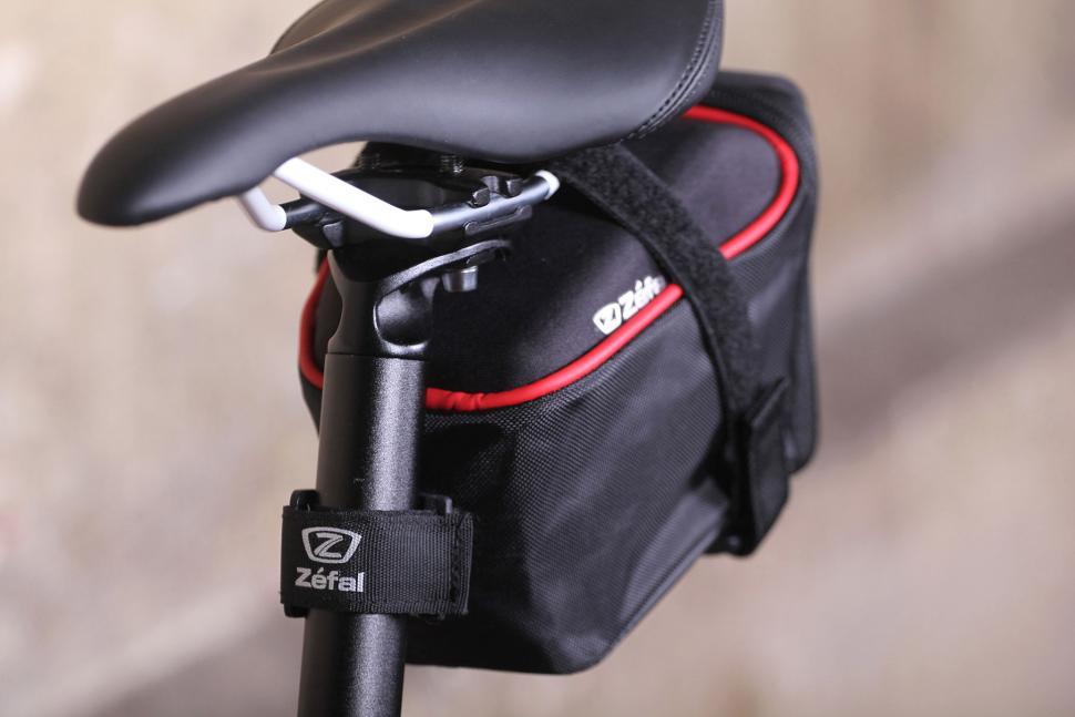 Zefal Iron Pack L-DS - mount detail.jpg