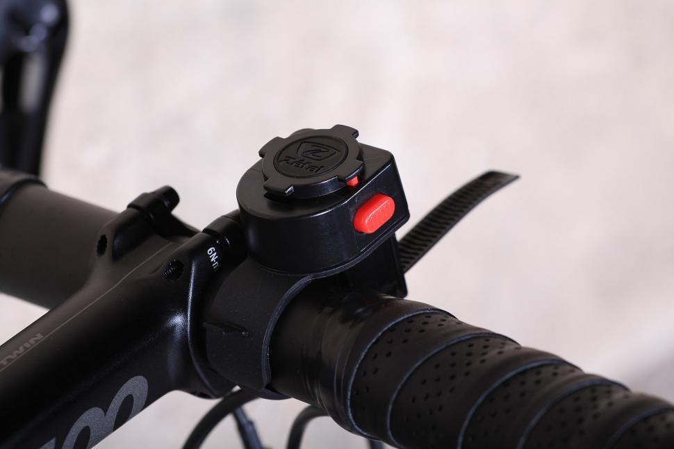 Zefal Z-Console Universal Smart Phone Holder - clamp.jpg