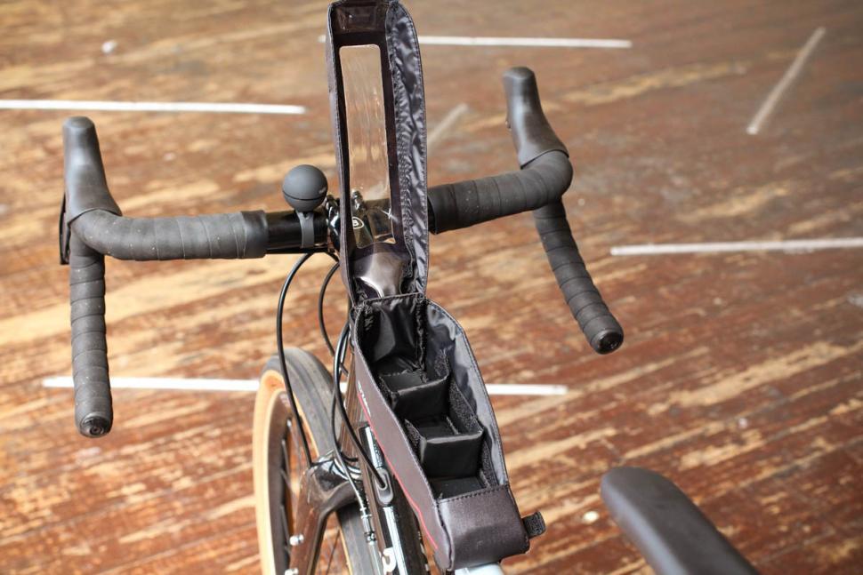 zefal_z_race_frame_bag_-_open.jpg