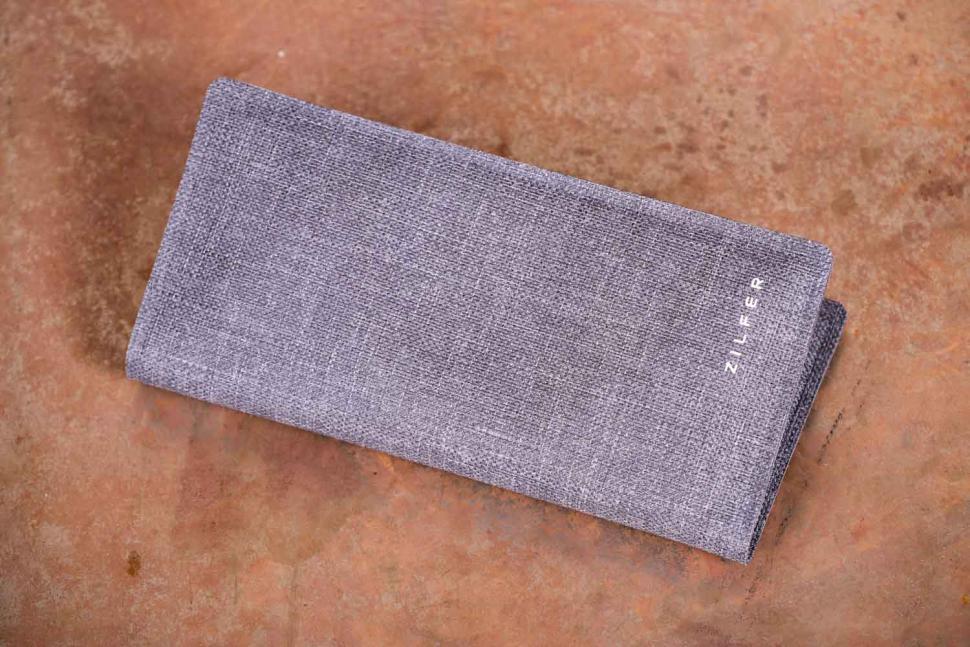 Zilfer Active Proof Phone Wallet - front.jpg