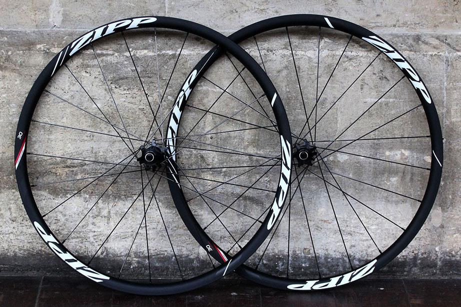 Zipp 30 Course Disc-brake Clincher wheels tight.jpg