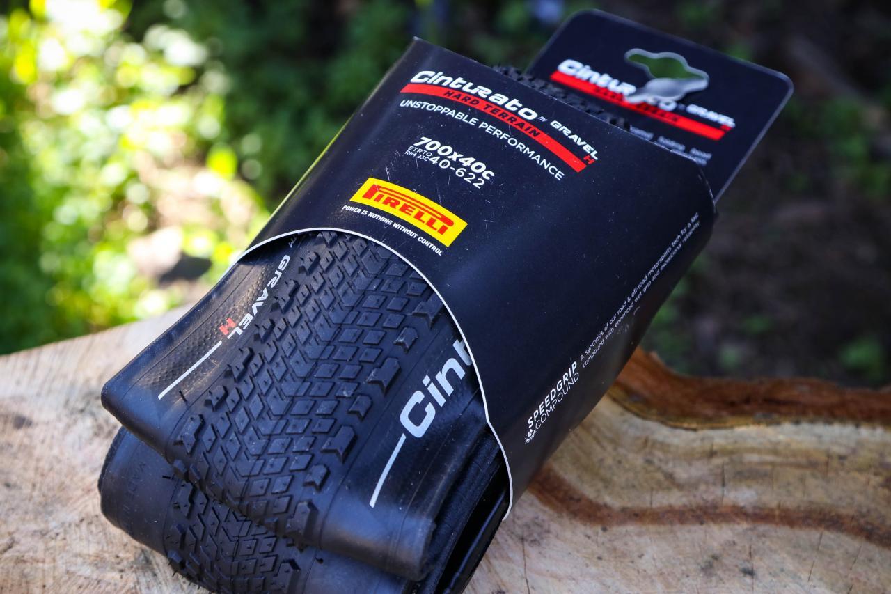 Cinturato Gravel H Tubeless Ready 700x35C Folding Pirelli Tire SpeedGrip,