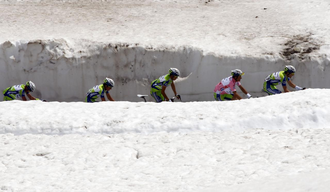 Avalanche threat sees Passo di Gavia cut from Giro d'Italia queen stage